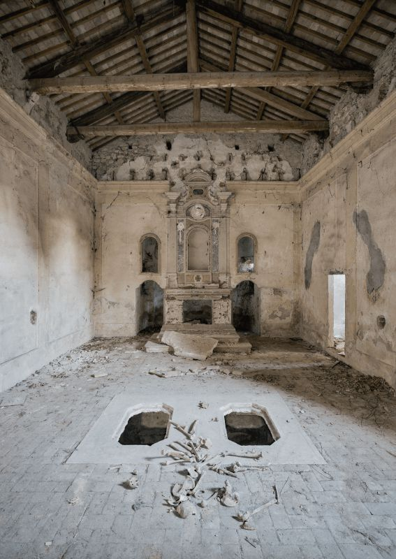 peter-untermaierhofer-chapel-of-bones